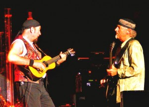 Ian_Anderson_and_Martin_Barre_2006